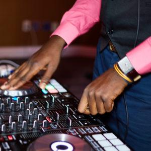 dj-mixmaster-brown-controller